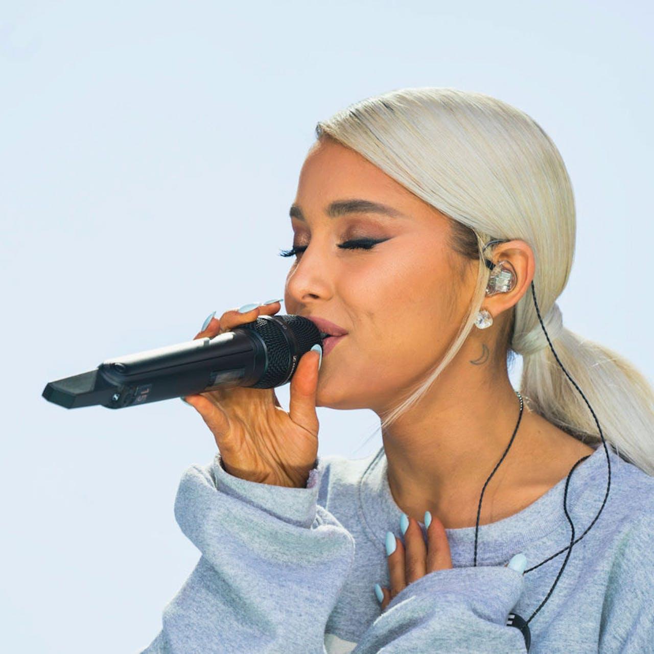 Releasen op dezelfde dag als Ariana Grande? Een goed idee, volgens muziekmarketeer Amber Horsburgh.